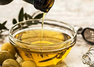 10 DIET CHANGES THAT COULD BOOST YOUR FERTILITY: 3 – SWITCH TO OLIVE OIL